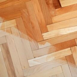 Devuelve el brillo a tu madera después del verano